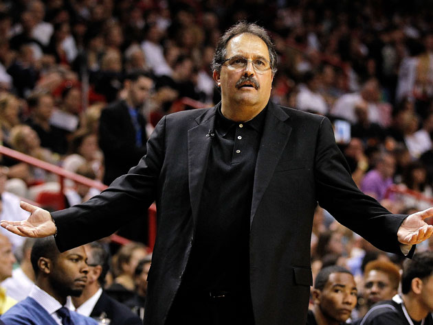 Stan Van Gundy wants to know if he'll get free pizza for slowly morphing into Jeffrey Tambor (Getty Images)