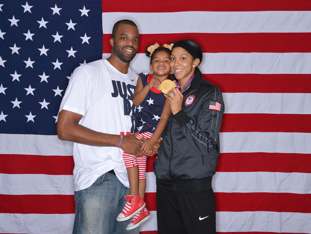 Shelden Williams and Candace Parker love cute daughters, efficient out of bounds plays, and AMERICA (Getty Images)