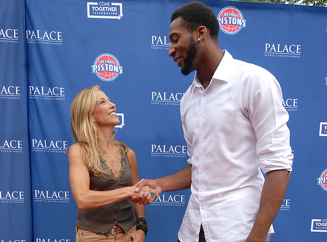 Sheryl Crow, meet Andre Drummond. (Getty Images)