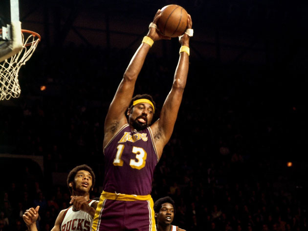 Wilt Chamberlain pulls down the rebound in 1973 (Getty Images)