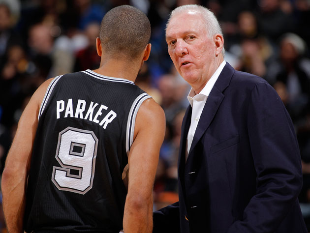 Tony Parker and Gregg Popovich compare notes (Getty Images)
