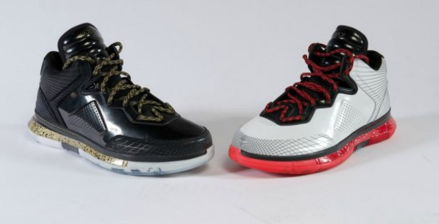 "Another look at the ""Way of Wade"" signature sneakers (via Li-Ning and NiceKicks.com)."