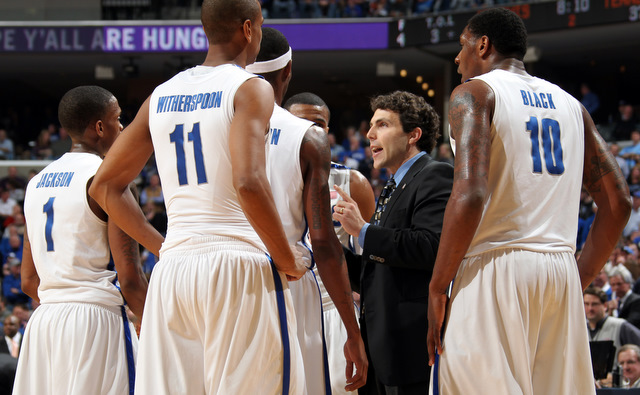 Josh Pastner in the Memphis huddle (Getty Images)