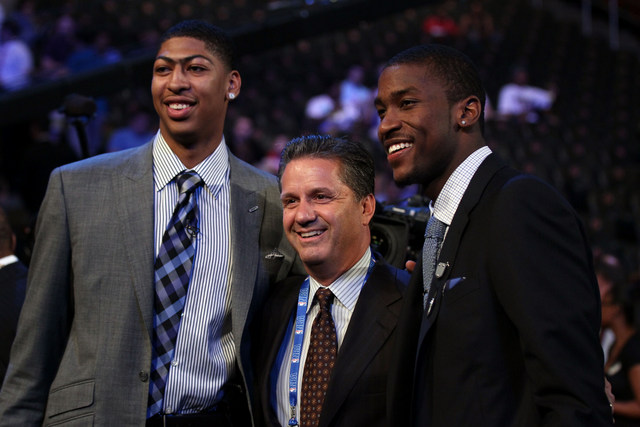 Anthony Davis and Michael Kidd-Gilchrist pose with John Calipari (Getty Images)