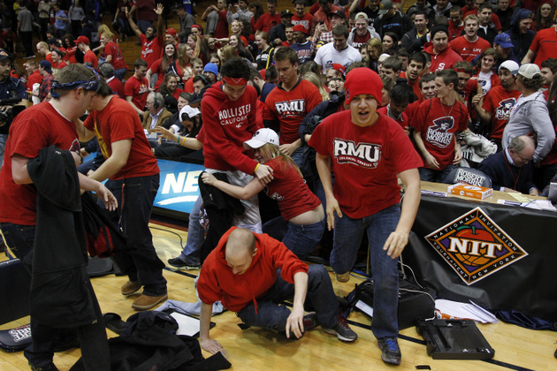 Robert Morris fans stormed the floor after beating Kentucky 59-57