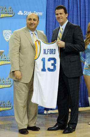 Steve Alford and Dan Guerrero (Getty Images)