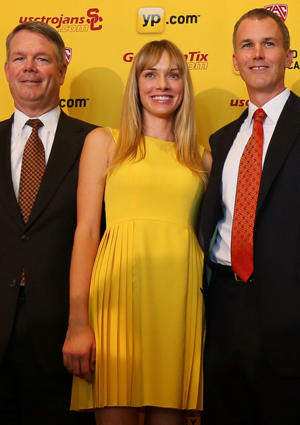 USC associate athletic director Steve Lopes, Amanda Enfield and Andy Enfield (Getty Images)