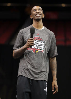 Russ Smith speaks to Louisville fans on Wednesday (Getty Images)