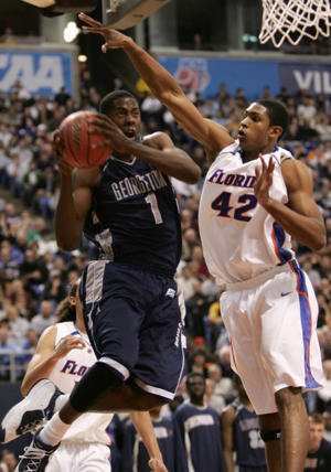 Georgetown and Florida square off in the 2006 NCAA tournament