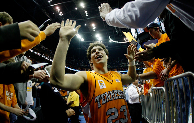 Dane Bradshaw started on Tennessee's Sweet 16 team in 2007 (Getty Images)