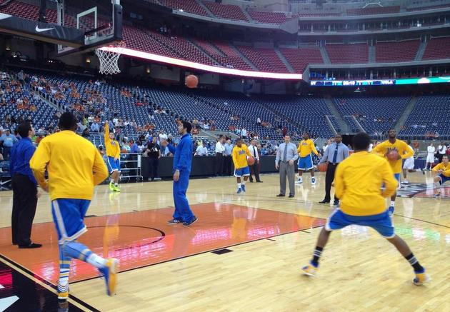 Reliant Stadium is nearly empty as UCLA and Texas warm up (photo via @UCLAMBB)