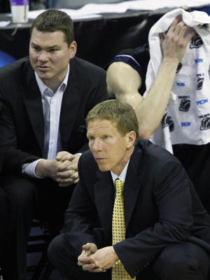 Tommy Lloyd (left) and Mark Few (AP)