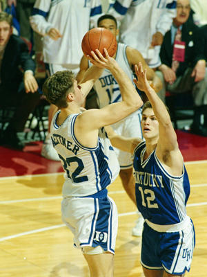 Kentucky's Deron Feldhaus tries in vain to defend Christian Laettner's famous 1992 turn-around jumper (AP)