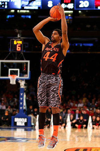 JaQuon Parker sporting Cincinnati's alternate uniforms. (Debby Wong/USA TODAY Sports)