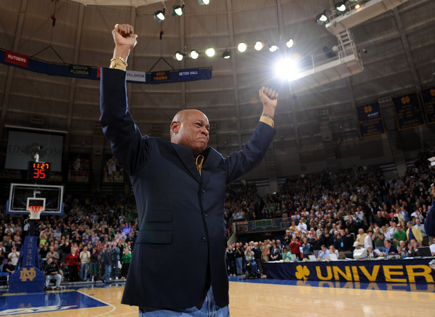 Austin Carr is honored at halftime of a 2008 Notre Dame game (US Presswire)