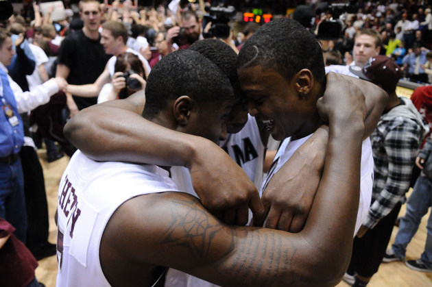 Will Cherry, Art Steward and Kareem Jamar celebrate last year's Big Sky championship (US Presswire)