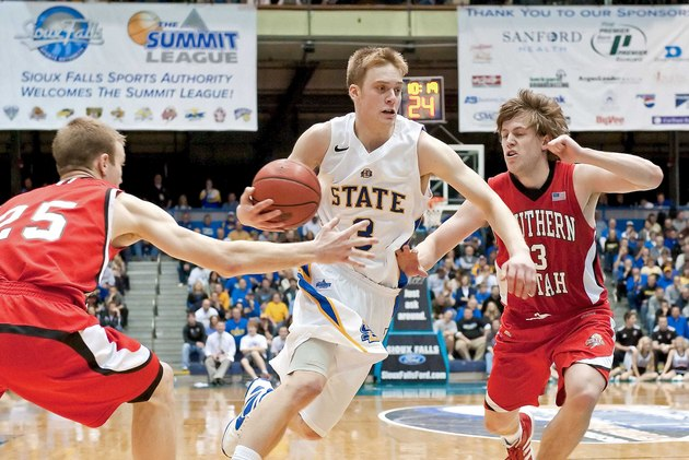 Nate Wolters hopes to lead South Dakota State back to the NCAA tournament (US Presswire)