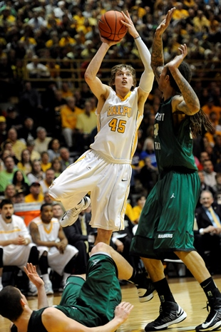 Valparaiso's Ryan Broekhoff (Associated Press)