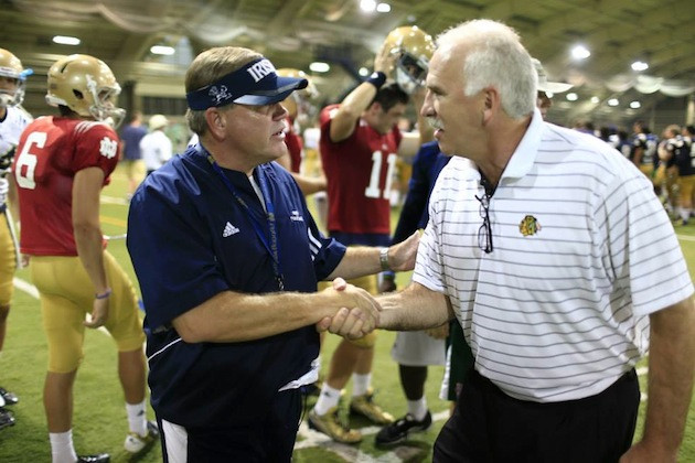 Blackhawks coach Joel Quenneville and ND coach Brian Kelly (Chicago Blackhawks Facebook)