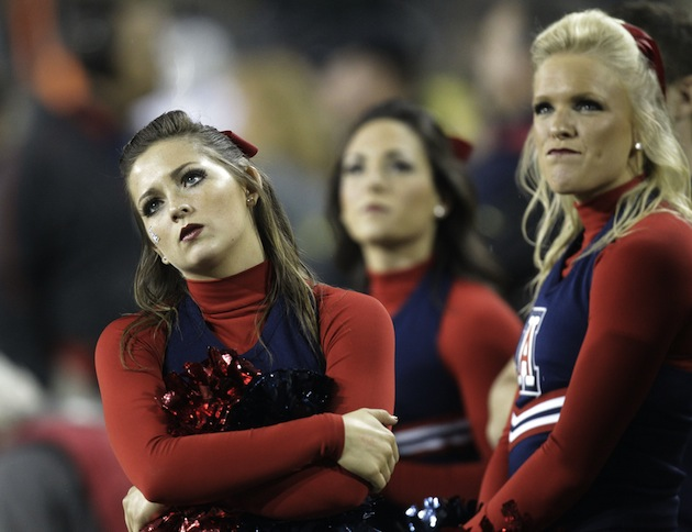 Arizona cheerleaders are not impressed (AP)