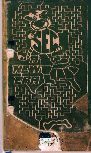Missouri welcomes the SEC with a good old fashioned corn maze