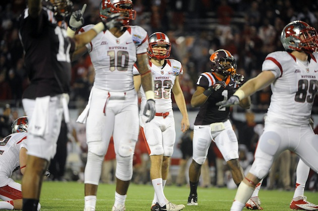 Rutgers kicker Nick Borgese misses the game-wtying kick in OT (AP)