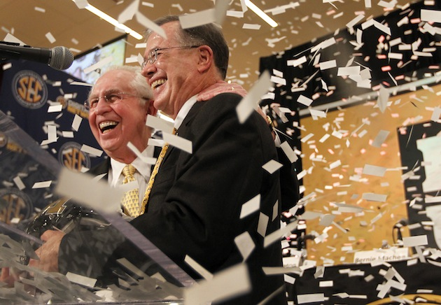 SEC commissioner Mike Slive and Missouri Chancellor Brady J. Deaton during Missouri's announcement to the SEC (AP)