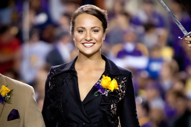 Les Miles has 'no reservations' playing female kicker Mo Isom
