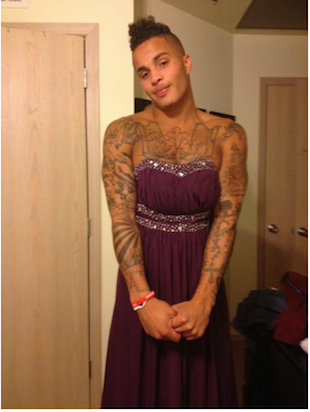 Oklahoma WR Kenny Stills is wearing a dress, a sparkly purple dress (PHOTO)