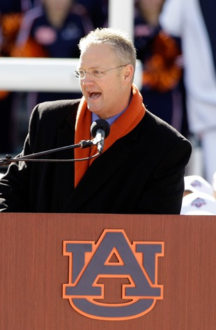 Auburn AD Jay Jacobs (USA Today Sports Images)