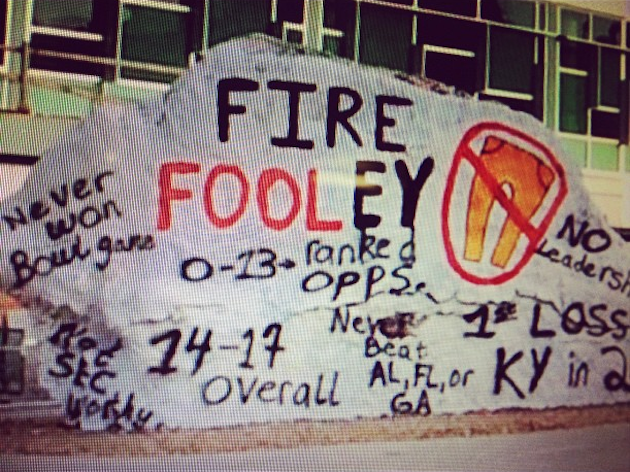 Students use Tennessee's Rock to show their frustration with Derek Dooley