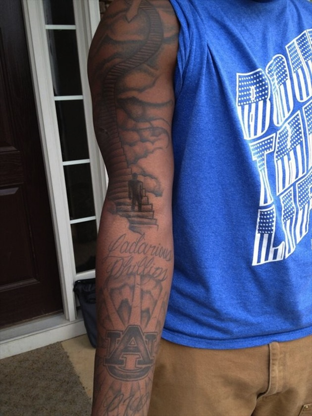 alabama lb reuben foster turns controversial tattoo in