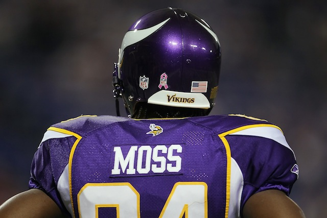 "Randy Moss says he's ""coming to tear somebody's heads off, man""…"