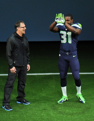 Kam Chancellor shows off new uniform (Getty)