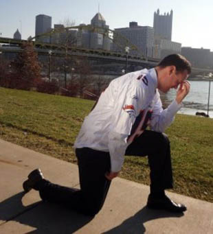 Mayor Ravenstahl Tebowing (KUSA)