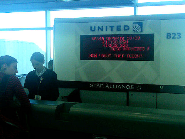 United-Flight-Board-at-the-Denver-Airport.jpg