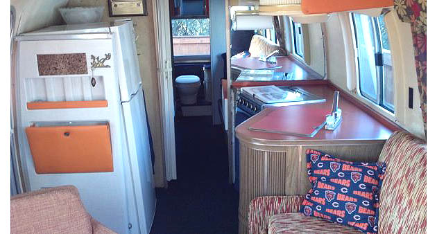 Bears-themed Airstream RV gets Craiglisted