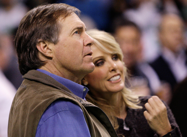 Bill Belichick and Linda Holliday at a Lakers-Celtics game in 2009. (AP)