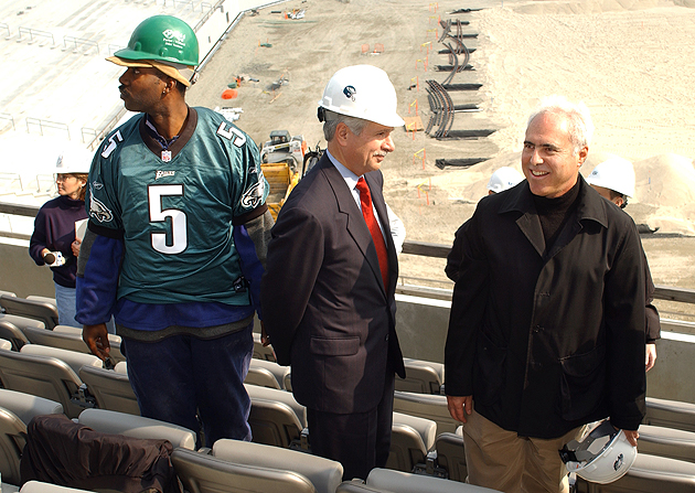 Eagles owner Jeff Lurie (r.) is not interested in any more construction projects. (AP)