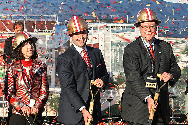 Levi's wants the naming rights to the 49ers new stadium (USA Today Sports Images)