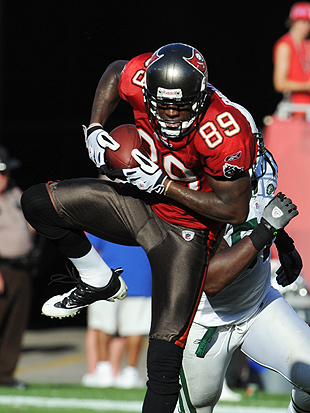 Antonio Bryant high-steps in 2009 -- his last NFL season. (Getty Images)
