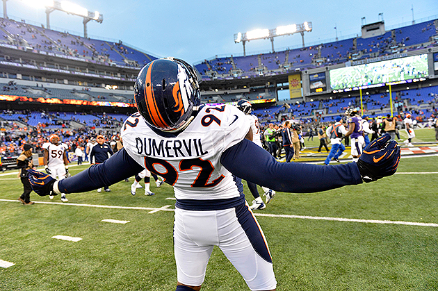 Elvis Dumervil has agreed to terms with the Ravens (USA Today Sports Images)