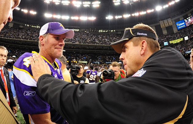 """We good, bro?"" Brett Favre and Sean Payton in 2009. (Getty Images)"