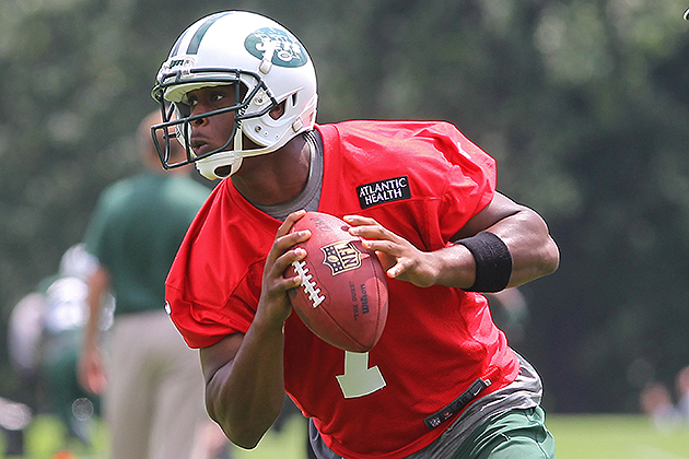 Geno Smith signed a four-year deal on Monday (USA Today Sports Images)