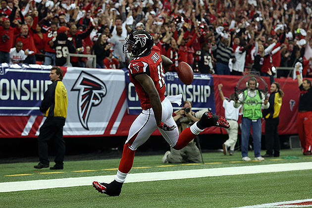 Julio Jones hauls in a 46-yard touchdown pass (USA Today Sports Images)