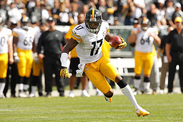 Mike Wallace should hit free agency (USA Today Sports Images)