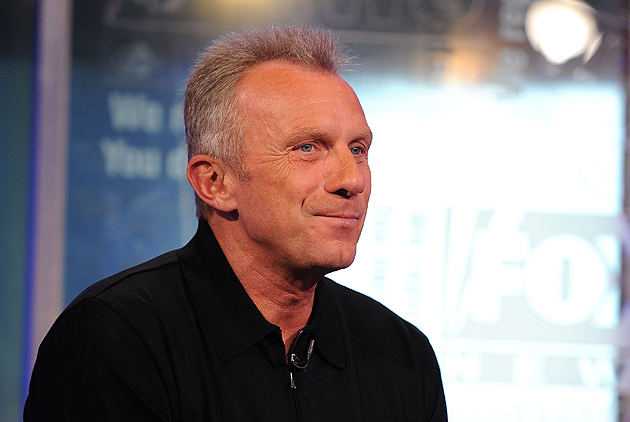 Joe Montana, budding realtor. (Getty Images)