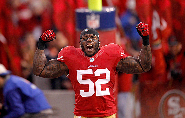 Patrick Willis has a fracture in his hand (USA Today Sports Images)