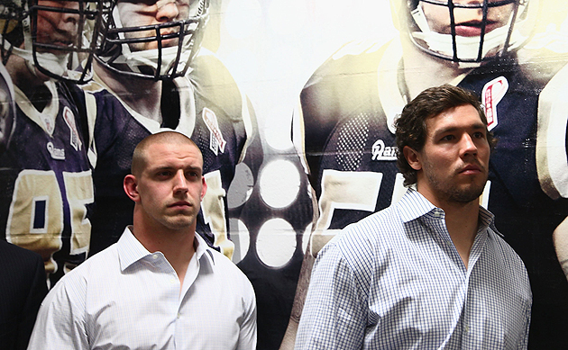 James Laurinaitis (r.) just got paid. (Getty Images)