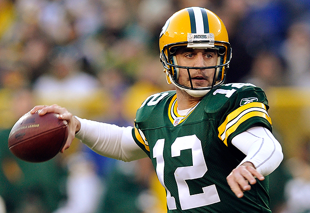 Aaron Rodgers wishes replacement officials knew the rules. (AP)
